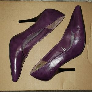 purple pointy shoes